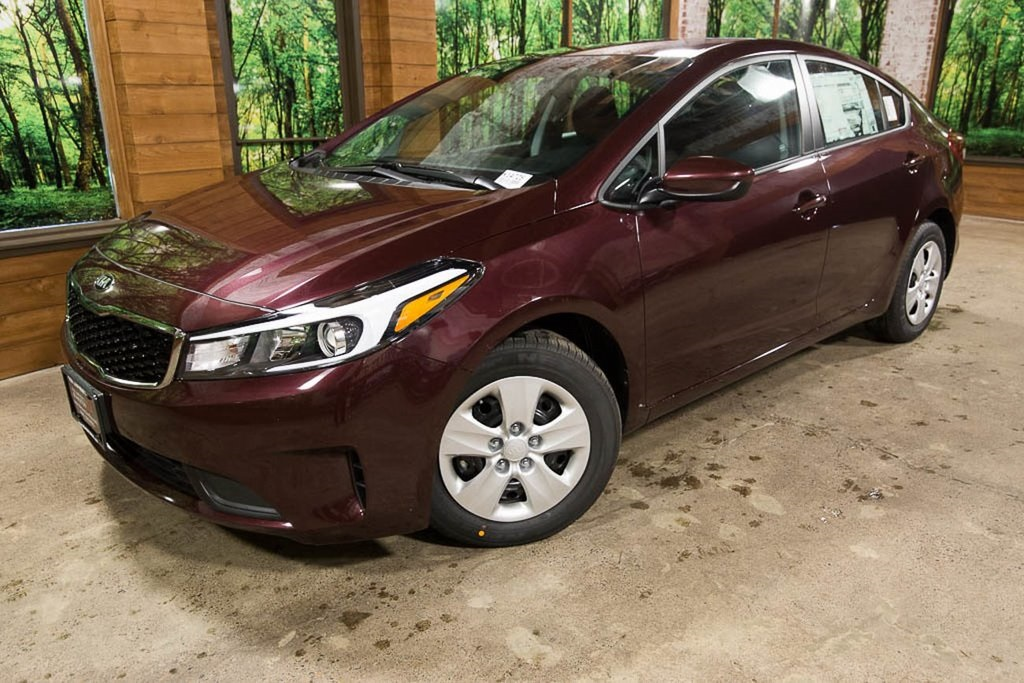 Pre-Owned 2018 Kia Forte LX Bluetooth, SiriusXM, Cloth