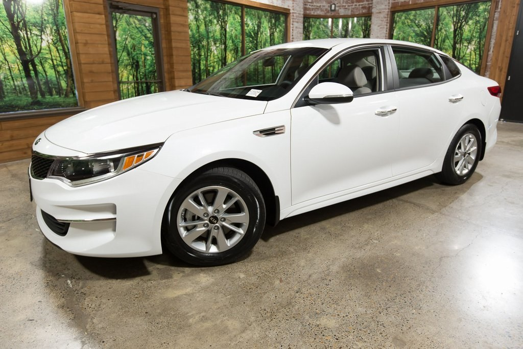 Certified Pre-Owned 2018 Kia Optima LX Blind Spot Detection, Power Seat, Rear Park Assist