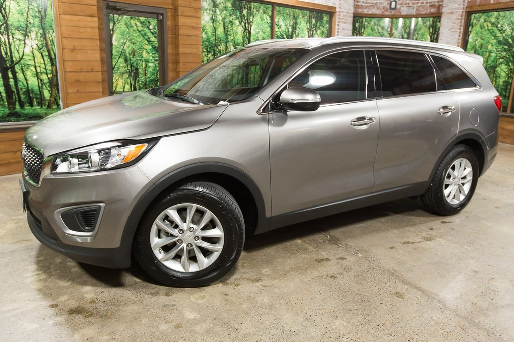 Certified Pre-Owned 2016 Kia Sorento LX CERTIFIED, Clean Carfax