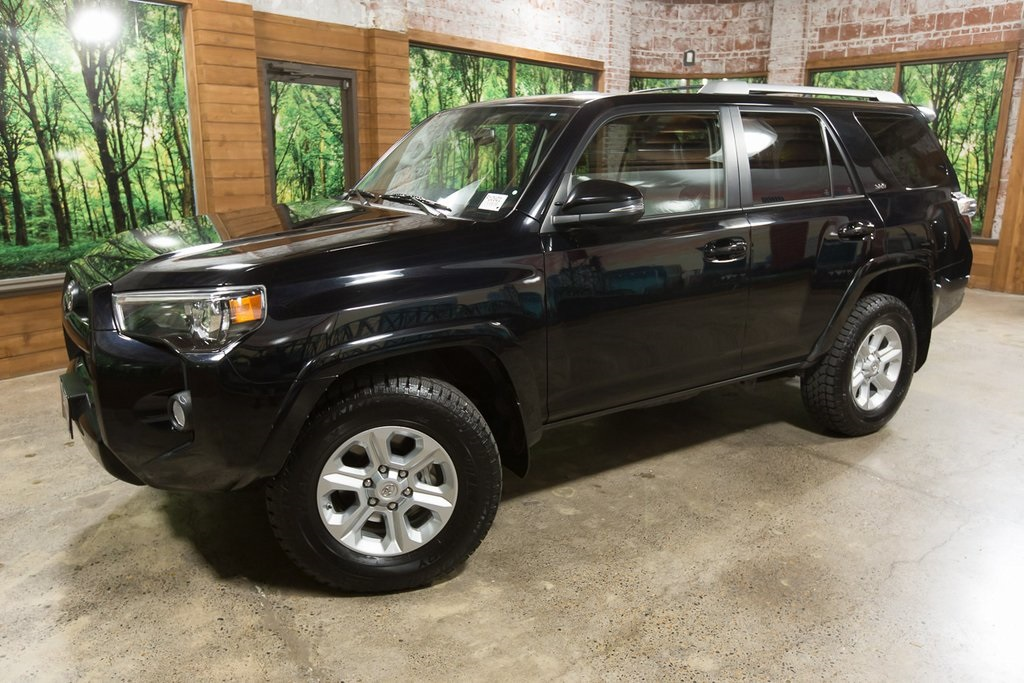 Pre-Owned 2018 Toyota 4Runner SR5 Premium 4WD w/ Navigation, Leather, Sunroof