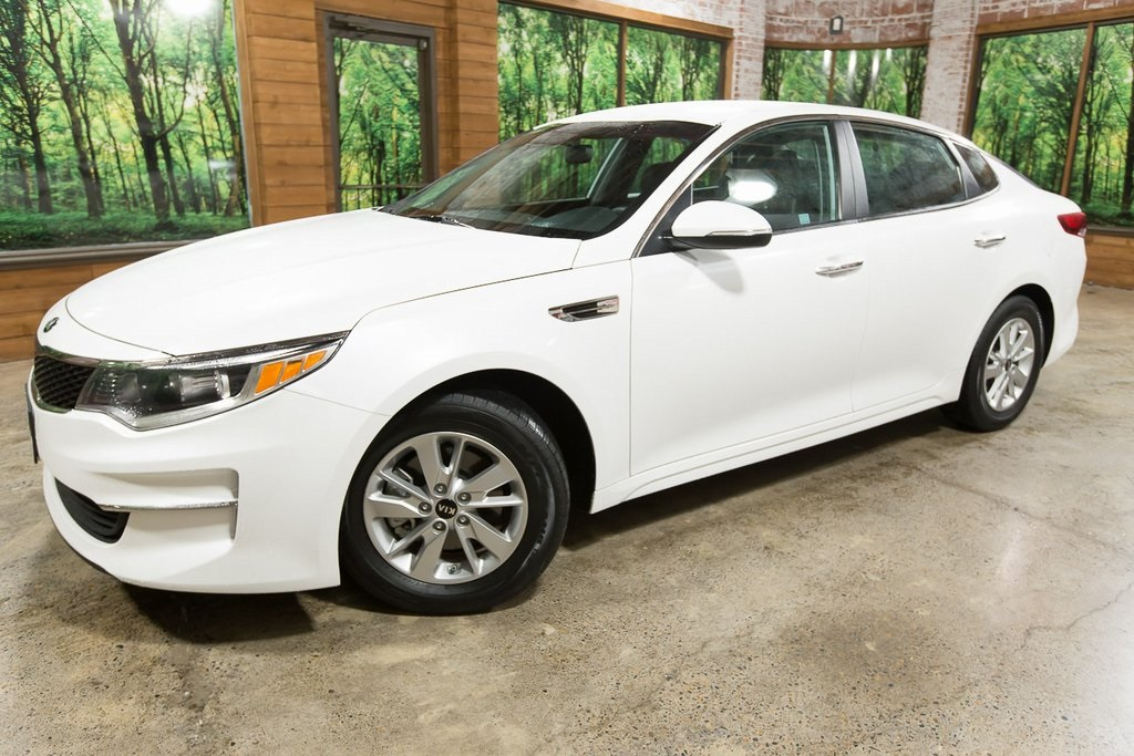 Certified Pre-Owned 2016 Kia Optima LX 1-Owner, Certified, 35 MPG