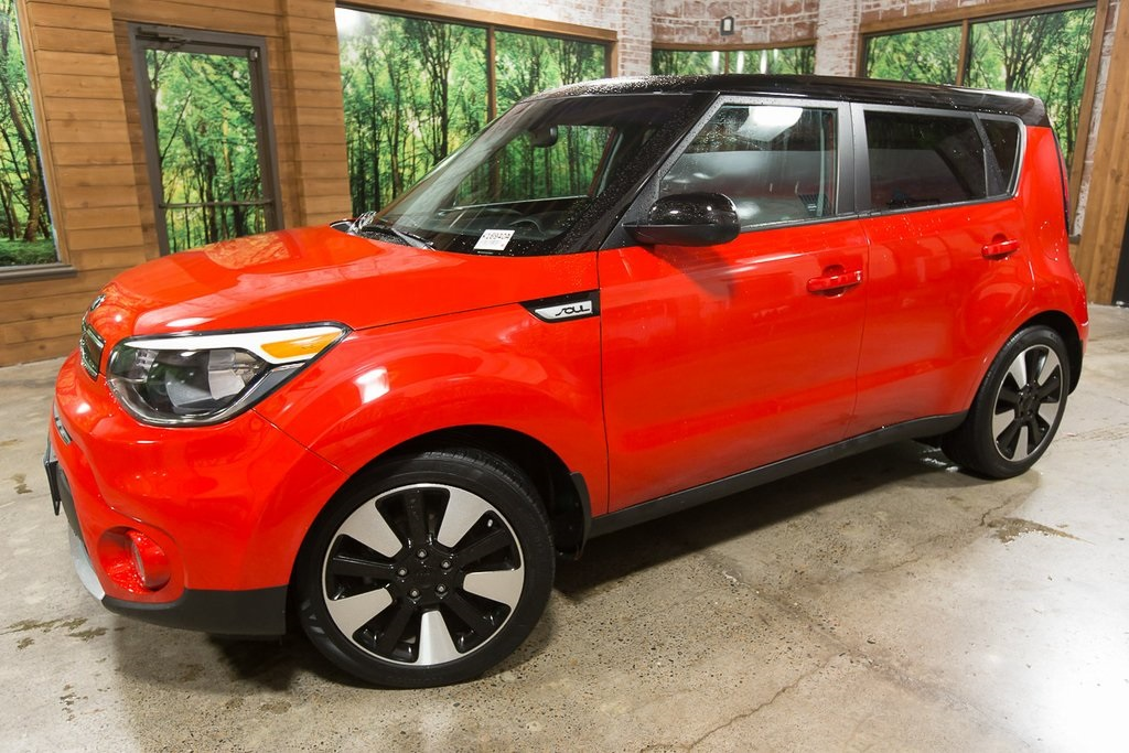 Certified Pre-Owned 2018 Kia Soul Plus CERTIFIED with Designer Pkg, Automatic Trans