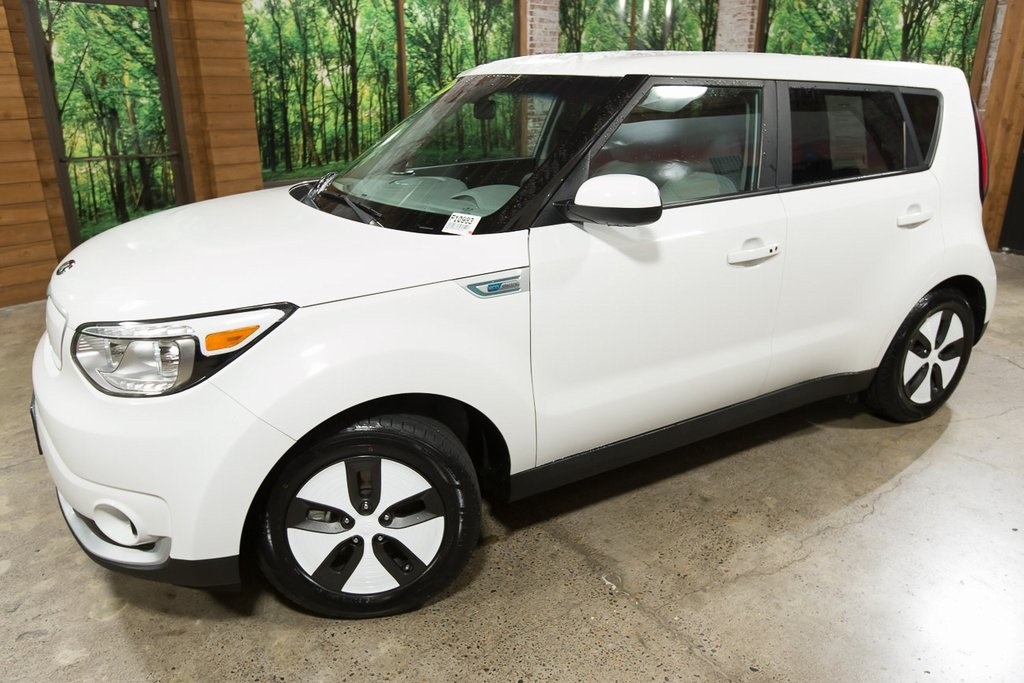 Certified Pre-Owned 2016 Kia Soul EV EVe 1-Owner, Certified, LOW Mileage, 120 City MPG