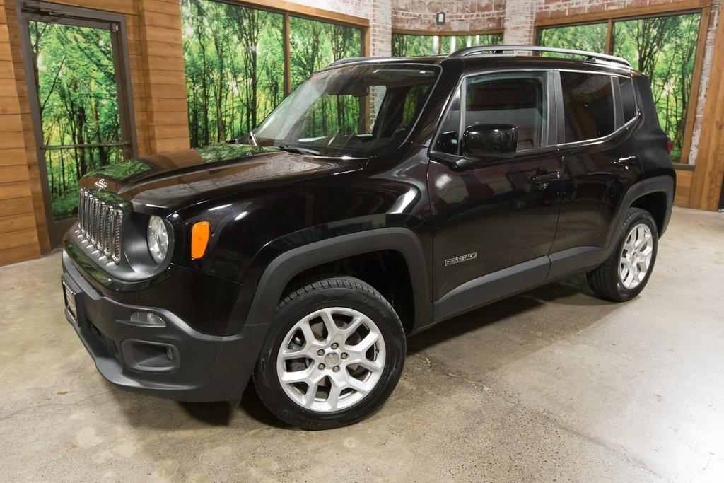 Pre-Owned 2017 Jeep Renegade Latitude 1-Owner 4WD