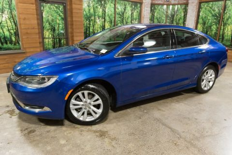 Pre-Owned 2015 Chrysler 200 Limited Clean Carfax, Local Trade