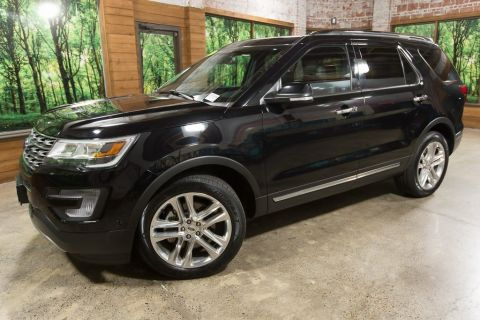 Pre-Owned 2017 Ford Explorer Limited AWD, 1-Owner, Panoramic Sunroof, Navigation