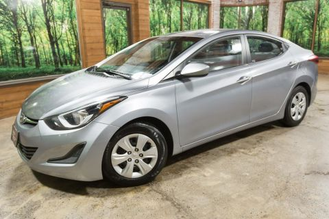 Pre-Owned 2016 Hyundai Elantra SE Automatic, Clean Carfax