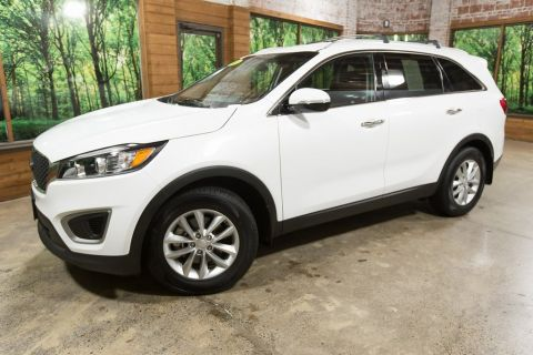 Certified Pre-Owned 2018 Kia Sorento LX 1-Owner, Cool and Connected Package